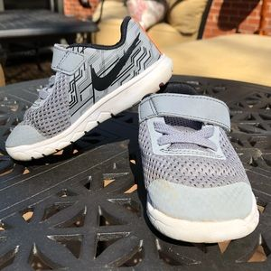 Little boys gray Nike's (size 6)
